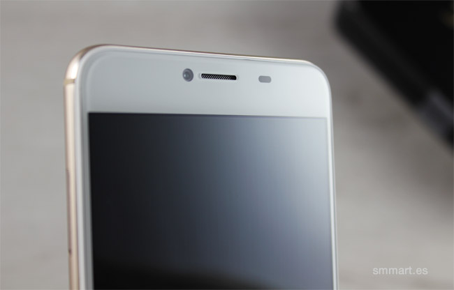 UmiDigi Z cámara frontal con flash LED