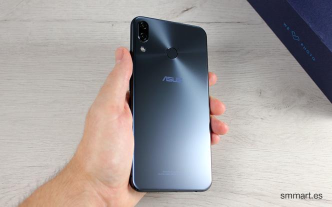 Asus ZenFone 5 con trasera de cristal de calidad
